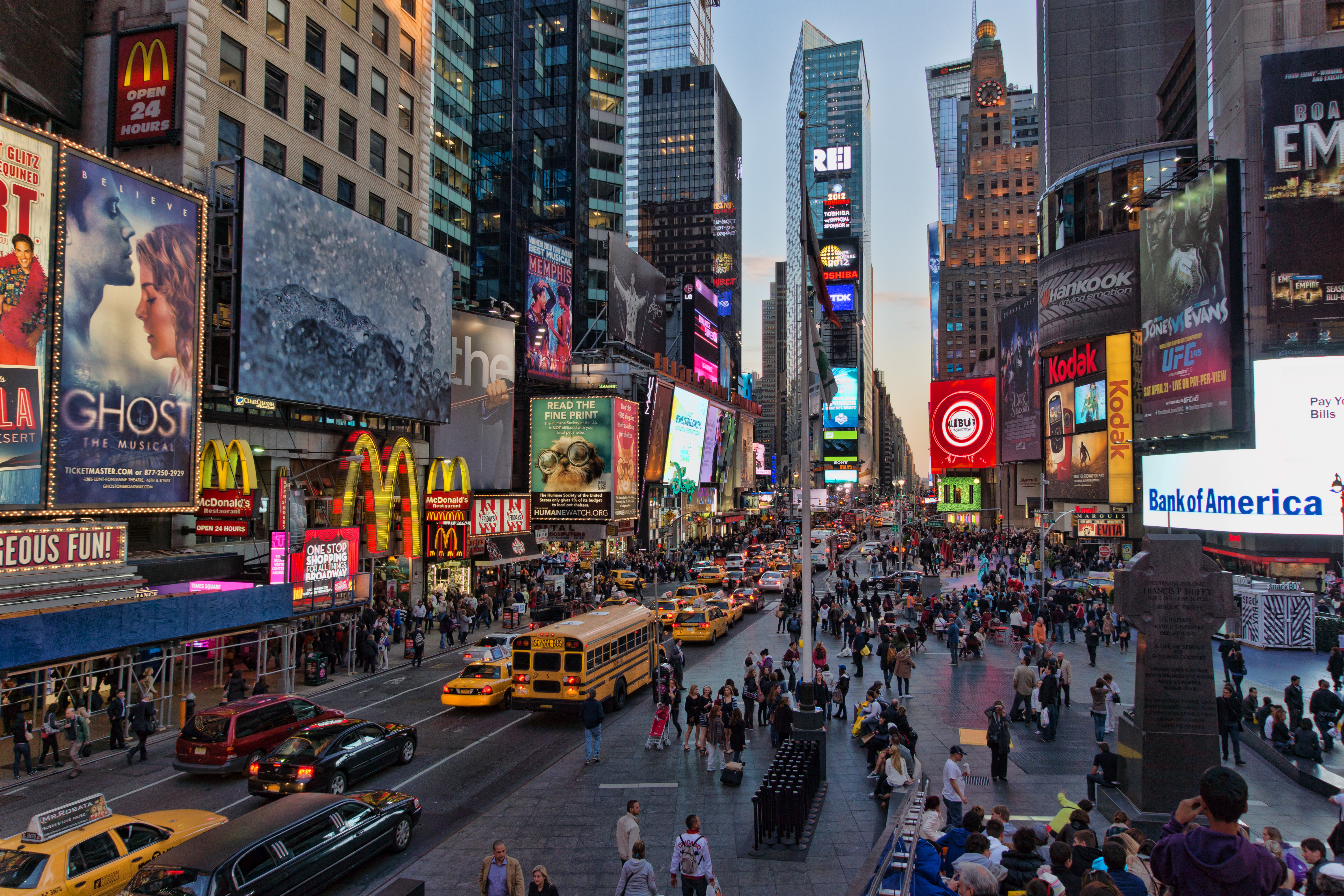 times_square_new_york_usa_city_cities_neon_lights_traffic_crowd_people__o_6000x4000